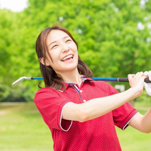 笑顔でゴルフ